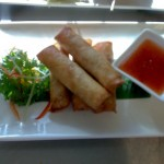 vegetable springrolls with sweet chili sauce